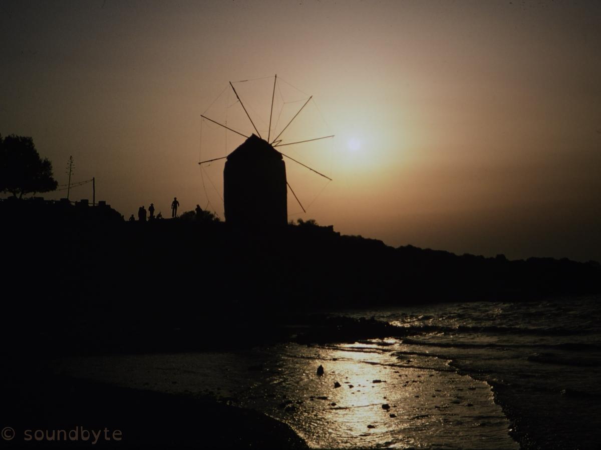 Paros_Windmill_BCG.jpg